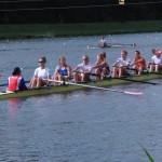Vrouwen acht tussen de middag training.